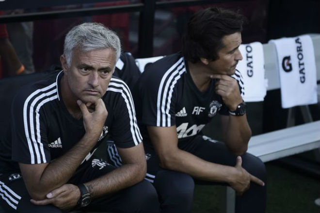 1501139008-head-coach-jos-mourinho-l-of-manches